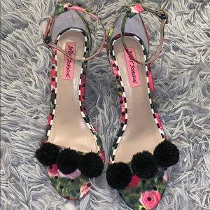Betsey Johnson Pom Pom Heeled Sandal Size 8.5